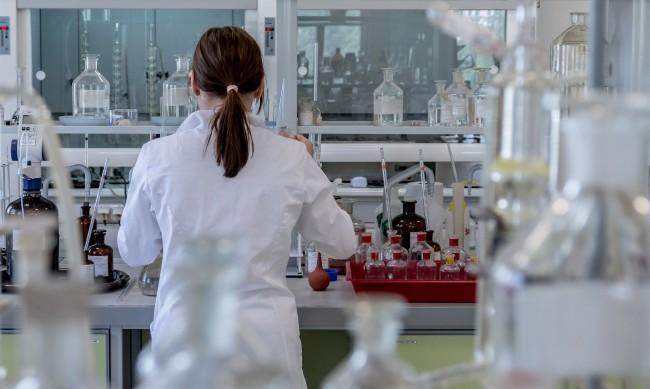 Китай отрече коронавирусът да има лабораторен произход