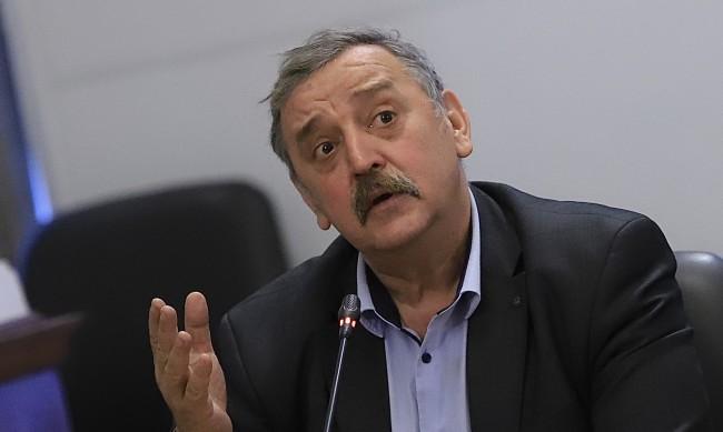 Пак протест с искане проф. Кантарджиев да не бъде пенсиониран