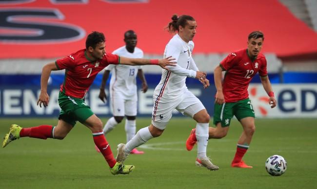 България се бори, но отстъпи с 0:3 пред Франция