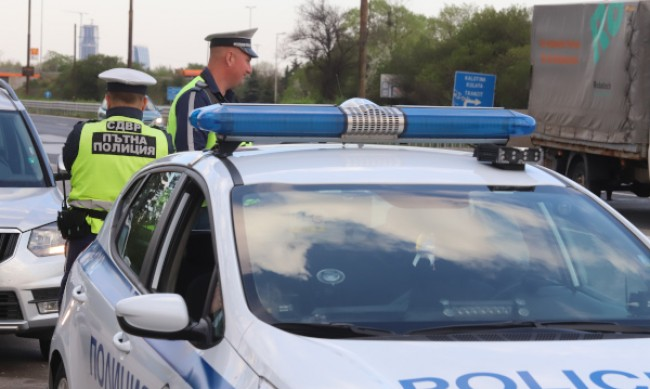 Кола блъсна 13-годишно дете във Враца