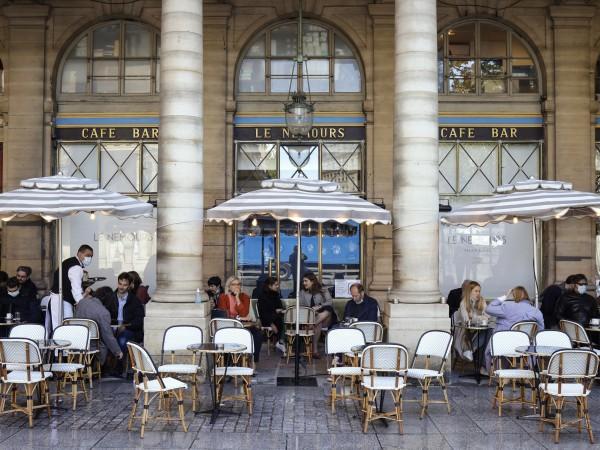 Франция прави още една стъпка към връщането към нормалния живот