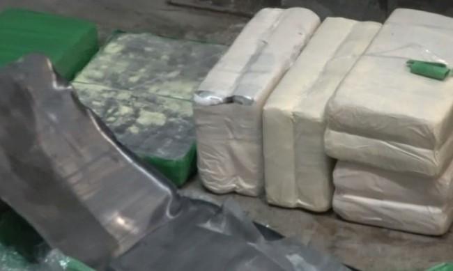 Търговията с наркотици вече е онлайн, производството скочило