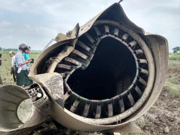 Катастрофа с военен самолет в Мианма, предаде Ройтерс, като се