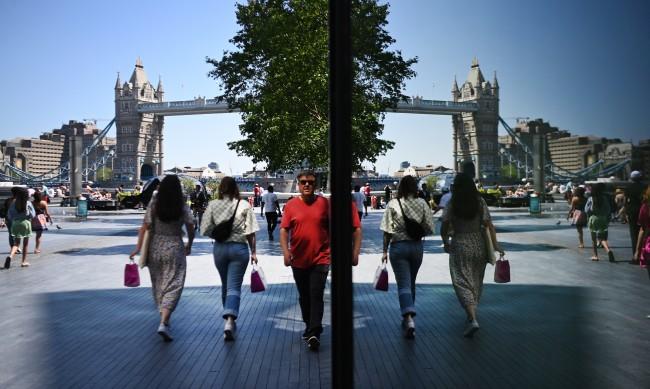 15 000 българи с отказ да живеят и работят във Великобритания