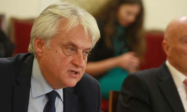 Бойко Рашков оглави Комисията за борба с трафика на хора