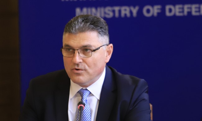 Министър Панайотов: Пилотът на МиГ-29 не е оцелял