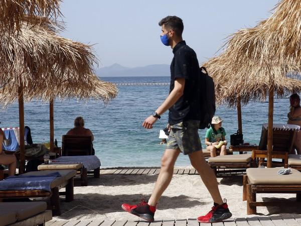 Гърция подготвя ново облекчаване на мерките срещу коронавируса от полунощ.