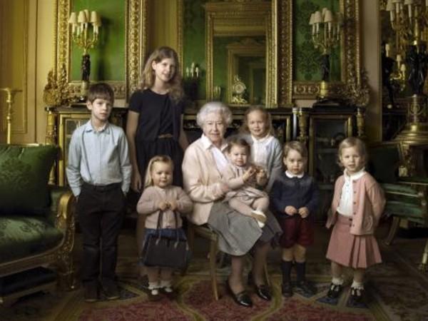 Монархът на Великобритания се радва на огромно семейство, в което