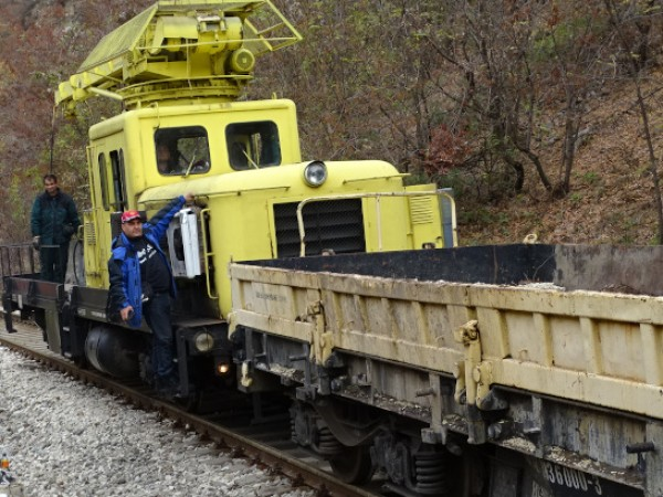 Преустановено е движението на влаковете по направлението Белово - Костенец,