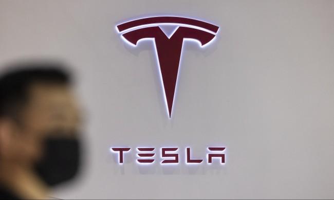 Илон Мъск представи най-екстремната Tesla