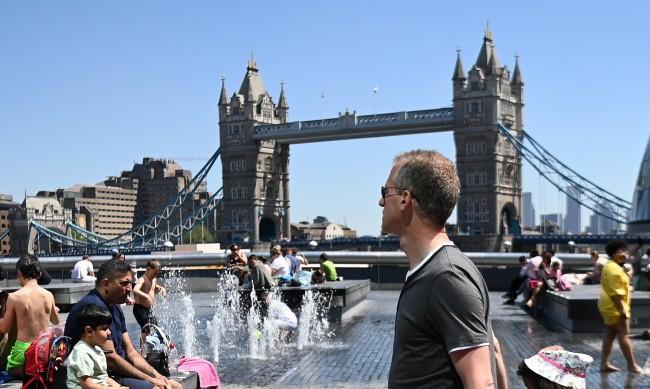 МВнР с визови центрове в 4 града във Великобритания