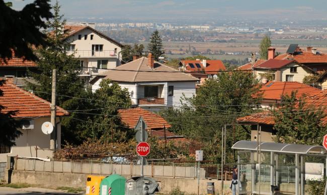 Голямото завръщане - годните за живеене къщи на село вече не достигат
