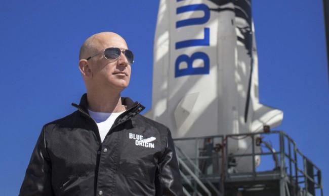 Богаташ плати $28 млн. за полет в Космоса с Джеф Безос