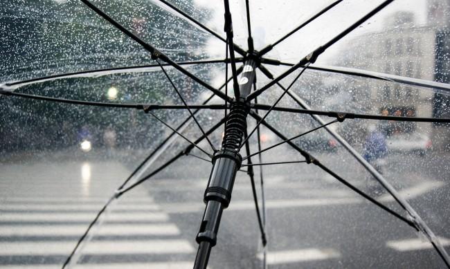 В неделя краткотрайни валежи и гръмотевични бури