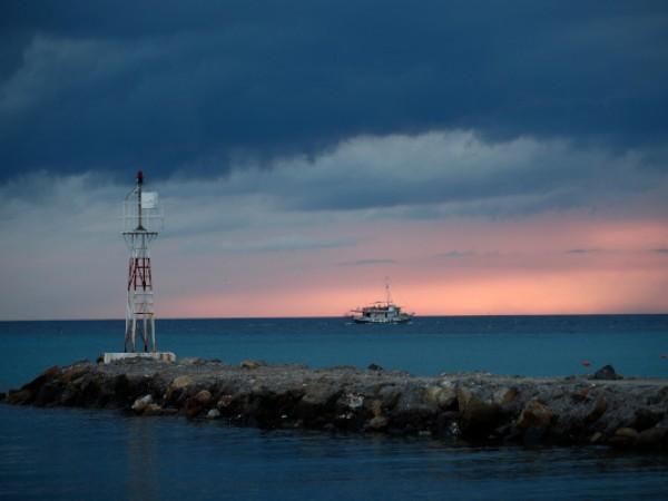 Фериботите в Гърция за втори път през този месец ще