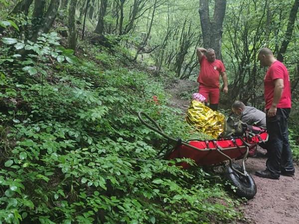 Спасители от ПСС - Лакатник са помогнали на жена, получила