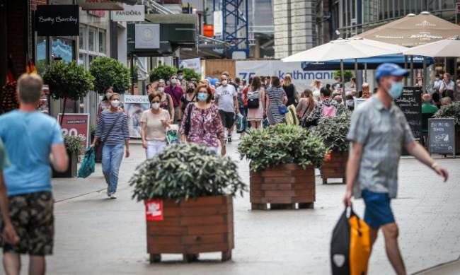 Облекчават правилата за носене на маски в Германия
