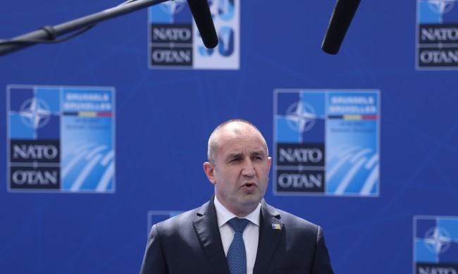 Радев: Основен фактор за сигурността на всички в НАТО е единството