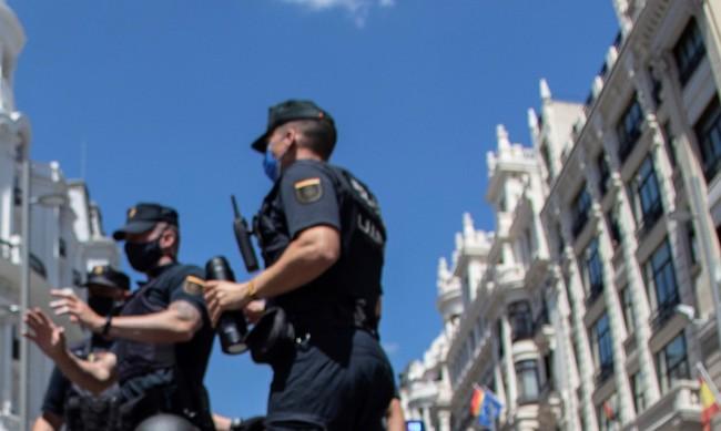 Стотици протестираха срещу домашното насилие в Испания