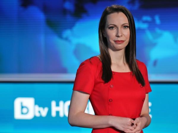 """Здравният репортер и водещ на поредицата """"COVID-19: Ваксините"""" Мария Ванкова"""