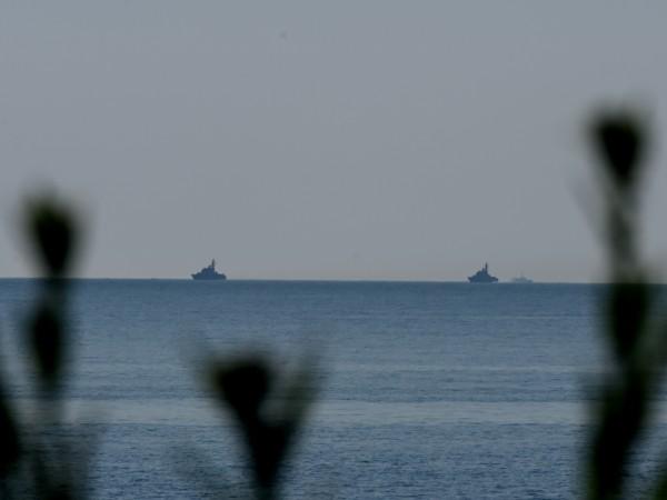 В търсенето се включиха кораби на Военноморските сили, а частни