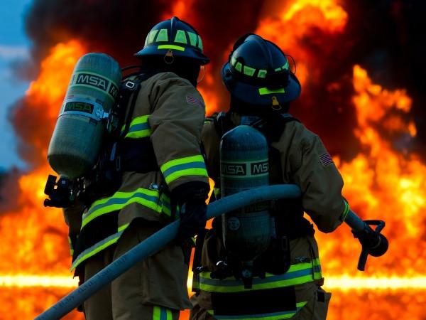 Експлозия в химически завод е станала в северен Илинойс, която