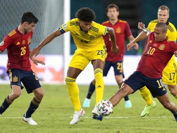Испания загуби 2 точки на старта на Евро 2020, след