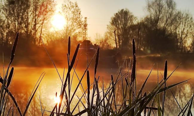 Времето днес: Слънце, дъжд и гръмотевици