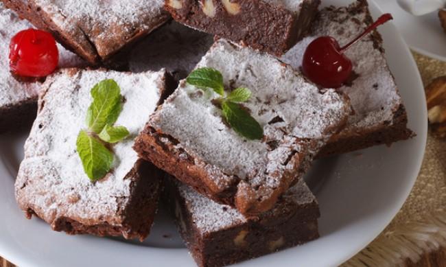 Рецептата Dnes: Фъдж с шоколад и череши