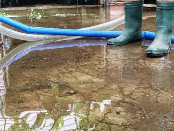 Станала е голяма авария в Пловдив - стар водопровод се