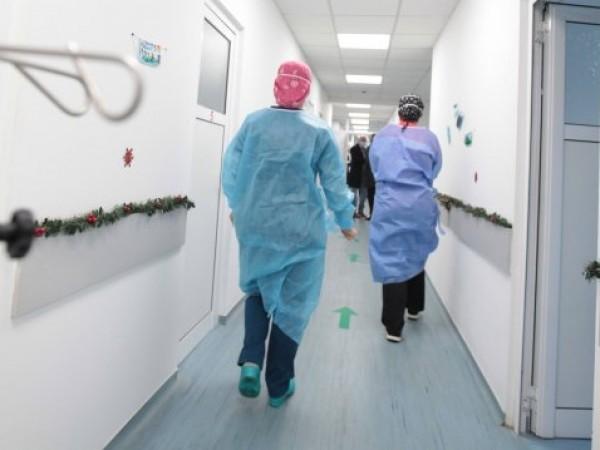 Здравният министър Стойчо Кацаров настоява да отпаднат лимитите за болниците.