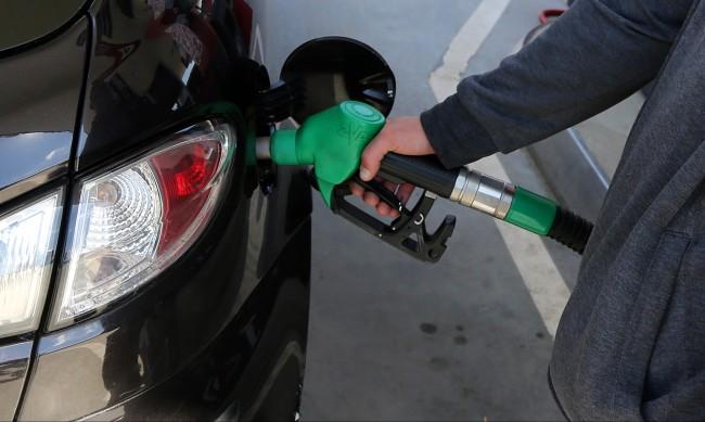 Маслото и олиото поскъпнаха с 24%, бензинът е с 22% по-скъп
