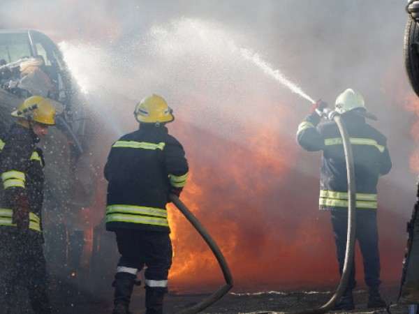 Пожарът, който избухна вчера в торовия завод в Димитровград, е