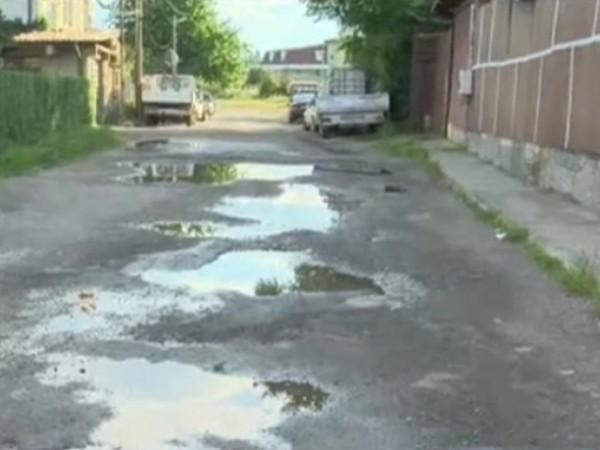 """Улица в столичния квартал """"Орландовци"""" е без канализация, без отводнителни"""
