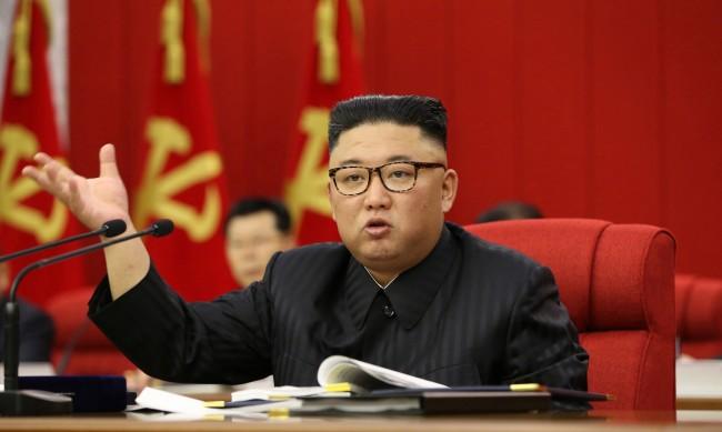 Ким Чен Ун за ситуацията с храните в Северна Корея: Напрегнато е