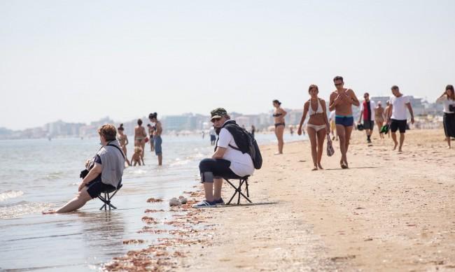 Без тестове и зелен сертификат: Сардиния се отваря за туристи