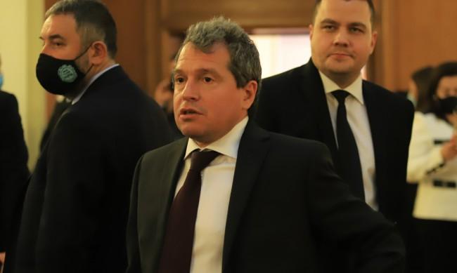 Тошко Йорданов: Здравословното състояние на Слави е добро