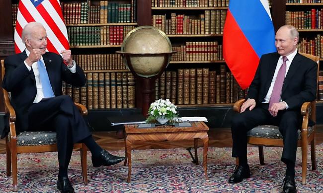 Преговорите в тесен кръг между Путин и Байдън приключиха