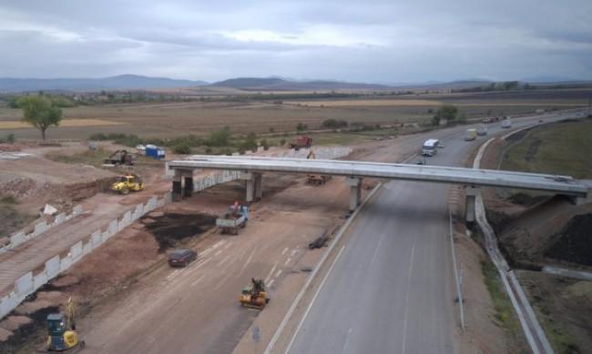 """Спряха строежа на 4 моста на АМ """"Хемус"""", нямали технически проект"""