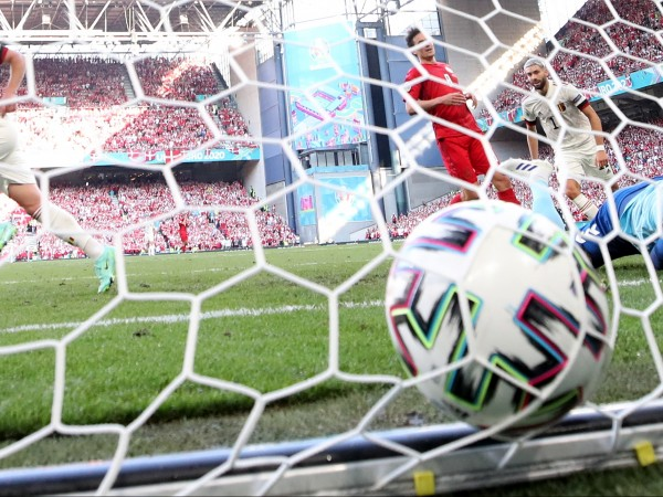 Белгия обърна с 2:1 Дания в Копенхаген и записа втора