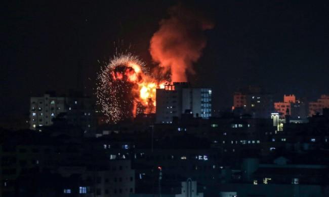 Израел нанесе нови въздушни удари по ивицата Газа
