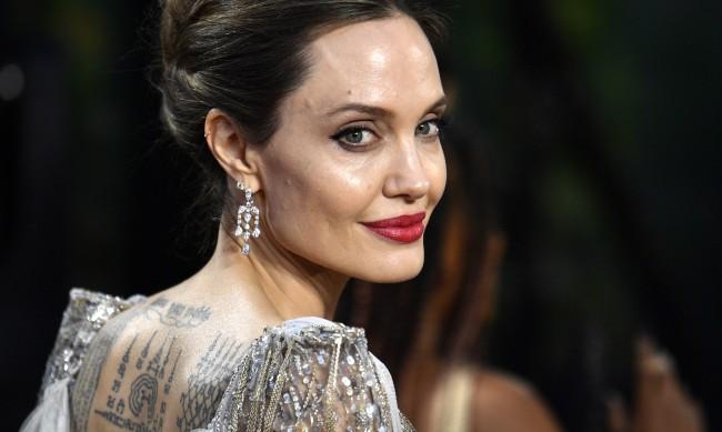 Анджелина Джоли се връща при бивш?