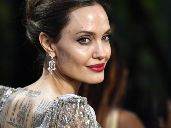 Анджелина Джоли започнала да поддържа връзка с бивш съпруг.Актрисата беше