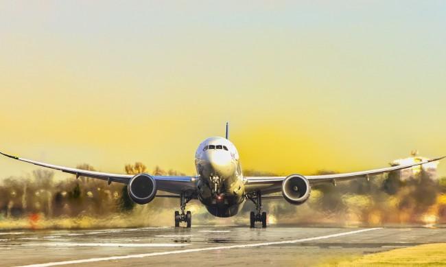 Русия възобновява полетите до България