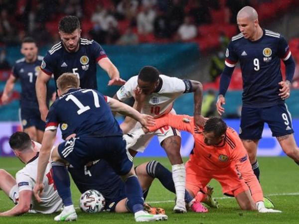 """Англия и Шотландия завършиха 0:0 на стадион """"Уембли"""" в битката"""