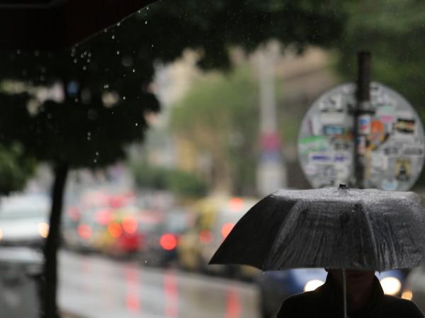 В събота облачността ще е по-често значителна, купеста и купесто-дъждовна,