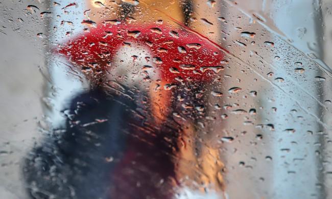 Времето днес: Облачно, след обяд ще вали и гърми
