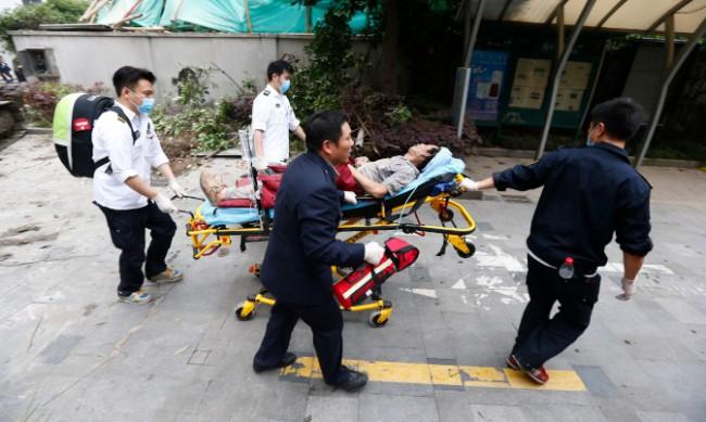 Жилищна сграда в Китай рухна, най-малко петима са загинали