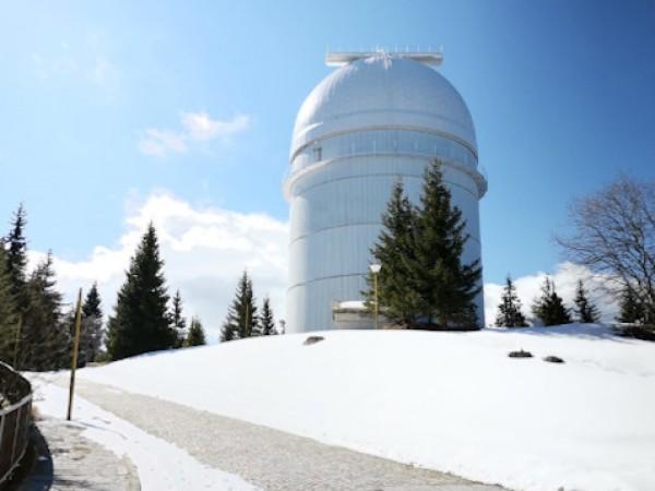 """В Националната астрономическа обсерватория """"Рожен"""" към Института по астрономия на"""