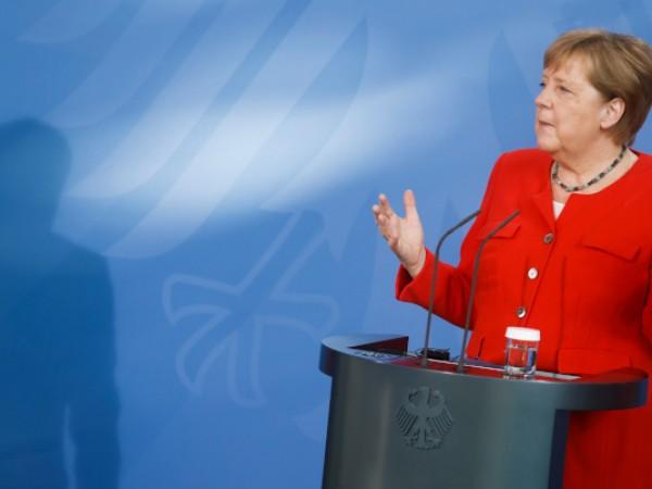 Германия е тясно свързана с Русия исторически и икономически. Между